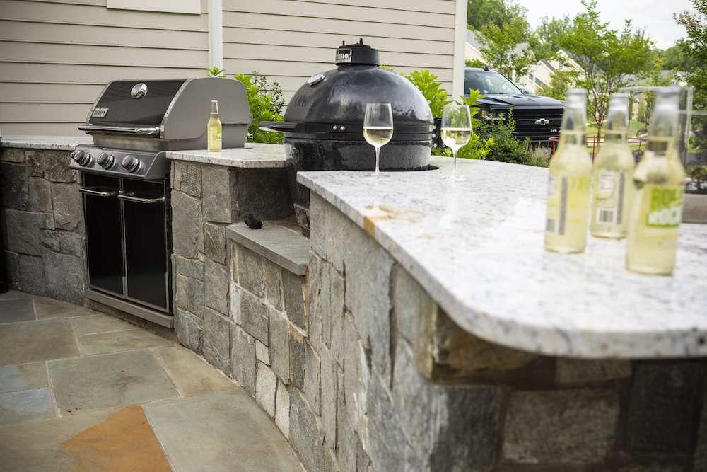 outdoor kitchen features in northern virginia