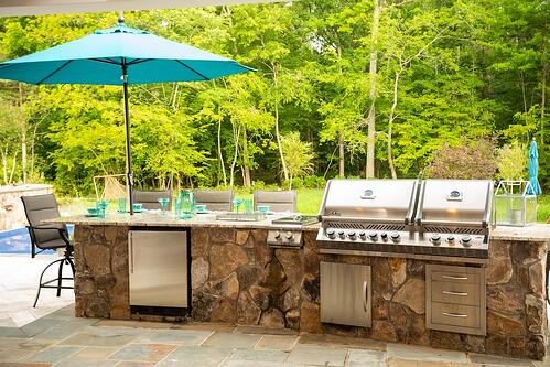 Beautiful outdoor kitchen in northern Virginia