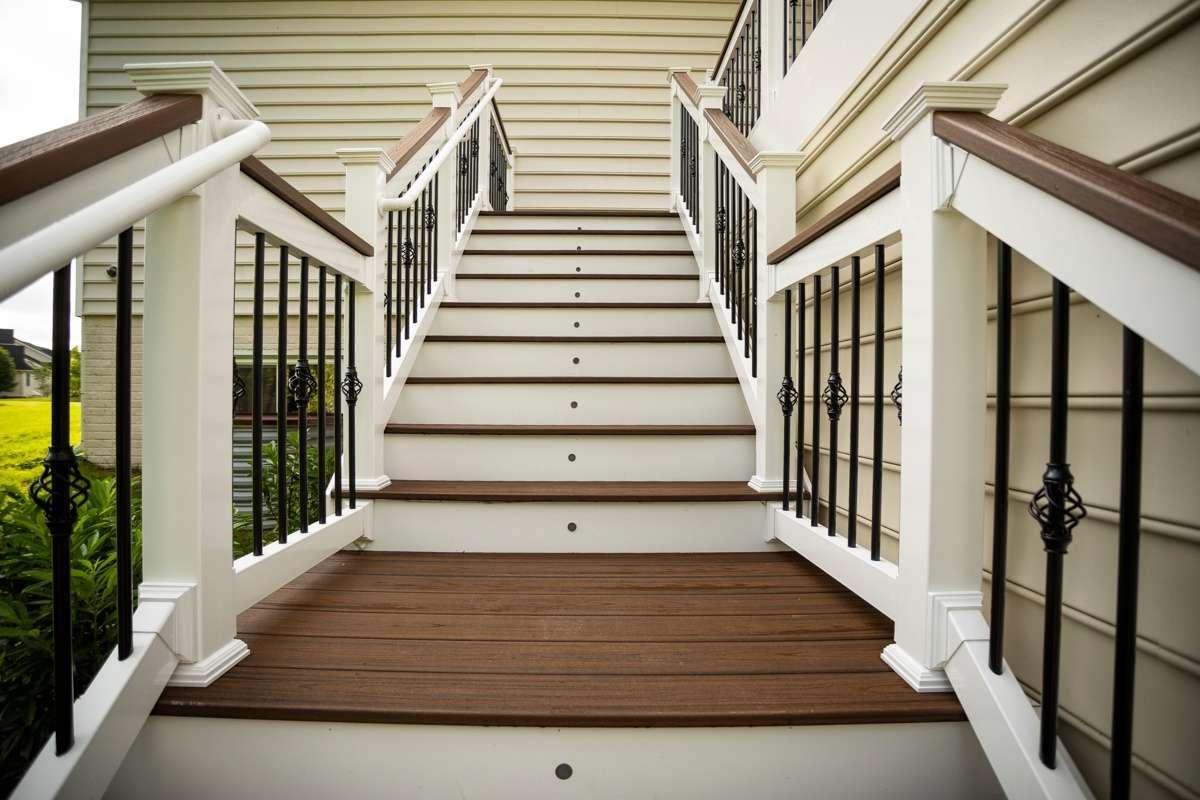 deck stairs railing 2