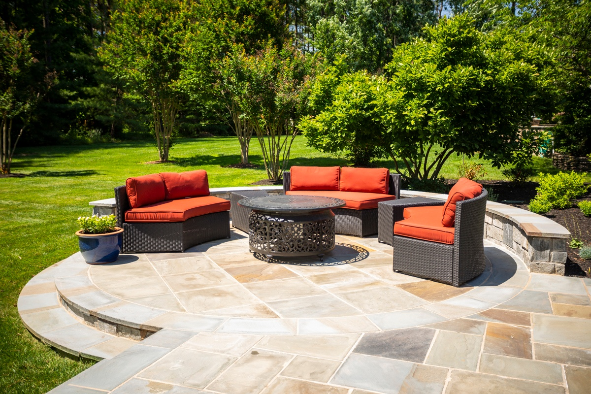 fire pit seating patio wall planting 1