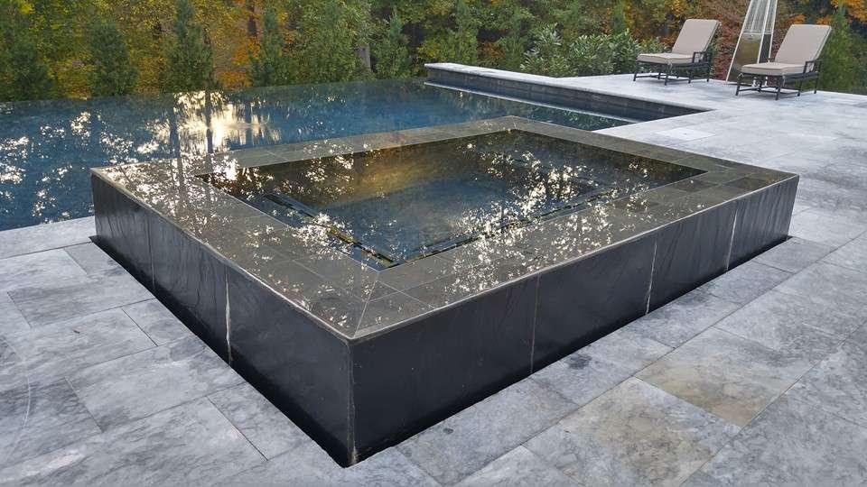 Spa adjacent to pool