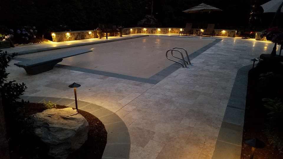 landscape-lighting-pool-patio-travertine