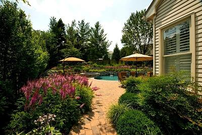 Watch for these red flags when talking to landscapers in Ashburn, Aldie and Leesburg, VA.
