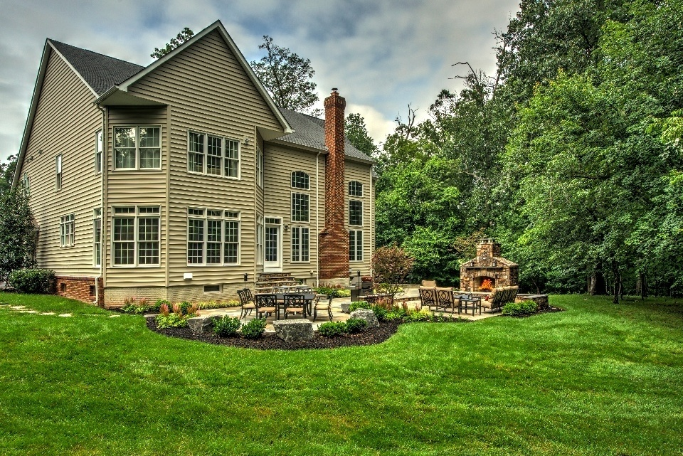 Professional lawn care and landscape maintenance services in Ashburn, Aldie, Leesburg, VA