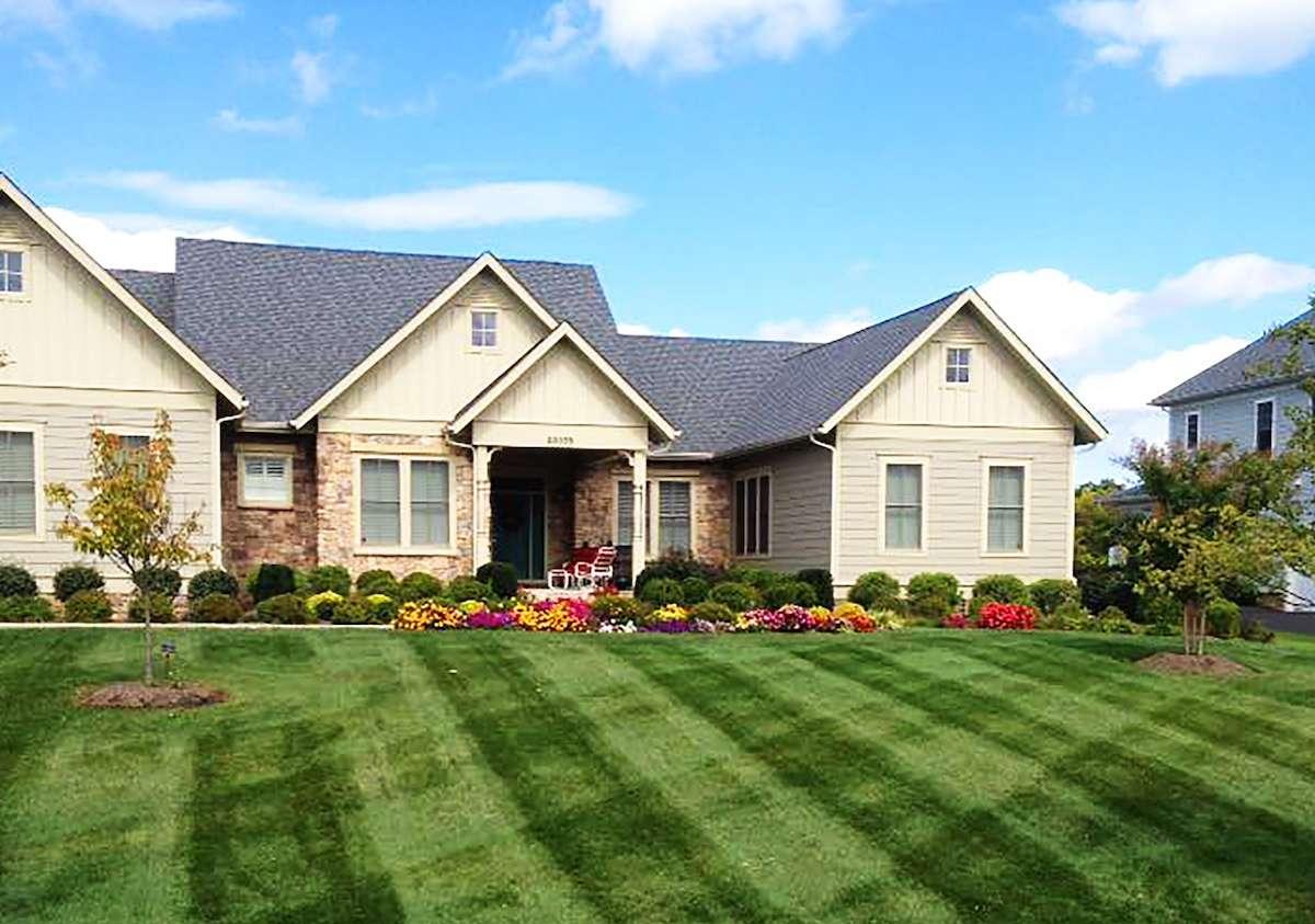 lawn care companies Ashburn, VA