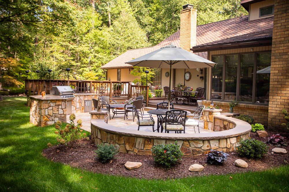 patio and outdoor kitchen in Northern Virginia