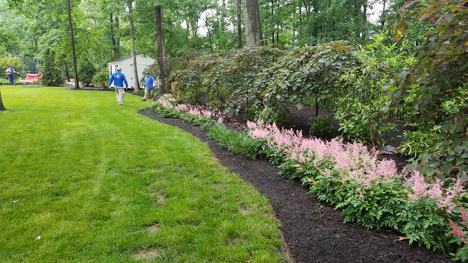 landscapers mulching in Northern Virginia