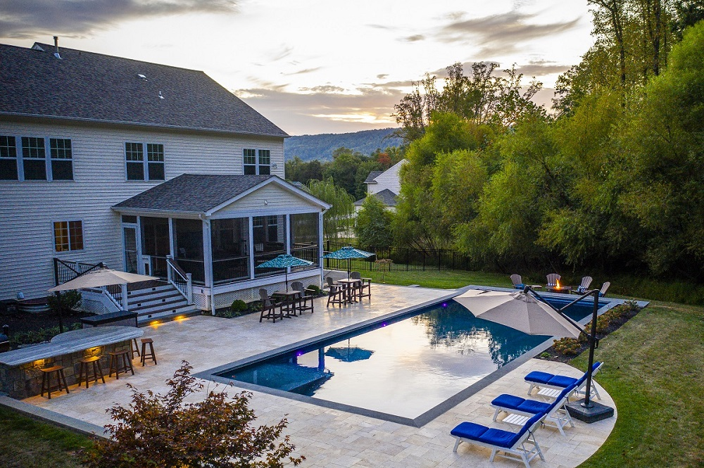 large pool and patio in Loudoun County Virginia