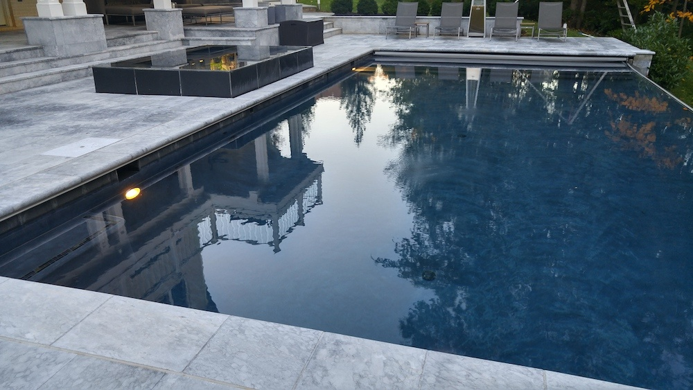 Want an Infinity Edge Pool? Here are 4 Points to Ponder