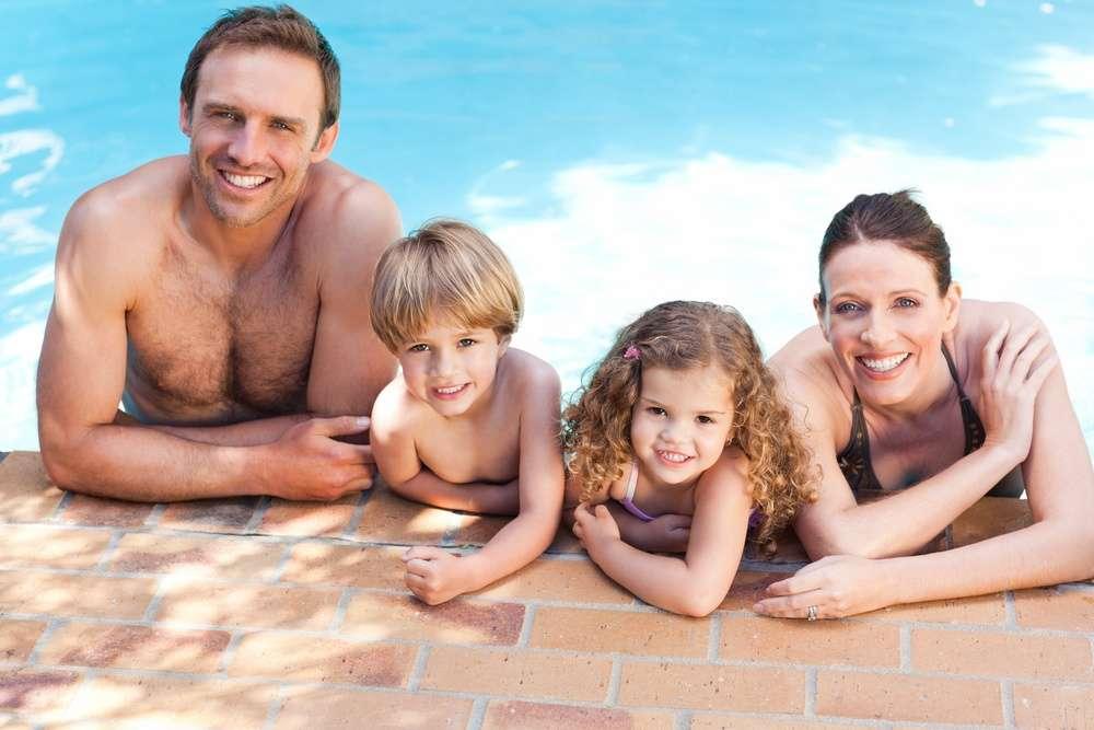 Gunite vs. Fiberglass Pools: Which is Best for My Home in Ashburn, Aldie, or Leesburg, VA?