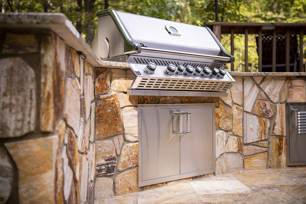 Building an Outdoor Kitchen: 4 Questions About Ideas, Designs & Cost