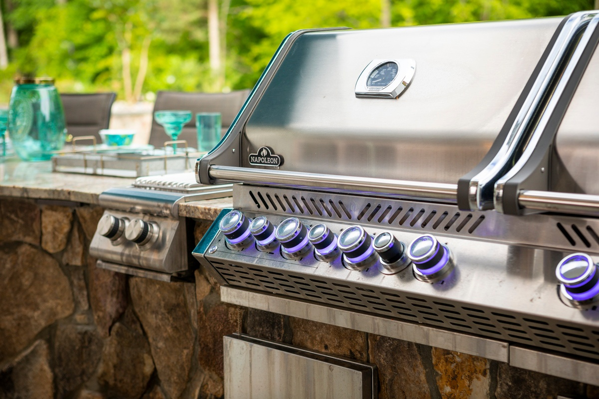 9 Outdoor Kitchen Design Ideas to Create Party-Central in Your Backyard